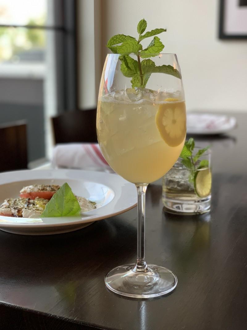 Lemon Spritz Cocktail